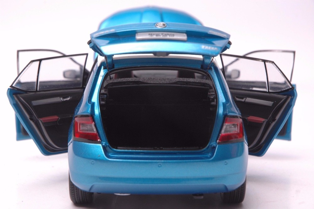 1:18 Diecast Model for Skoda Fabia 2015 Blue SUV Alloy Toy Car Miniature Collection Gifts (Alloy Toy Car, Diecast Scale Model Car, Collectible Model Car, Miniature Collection Die-cast Toy Vehicles Gifts)