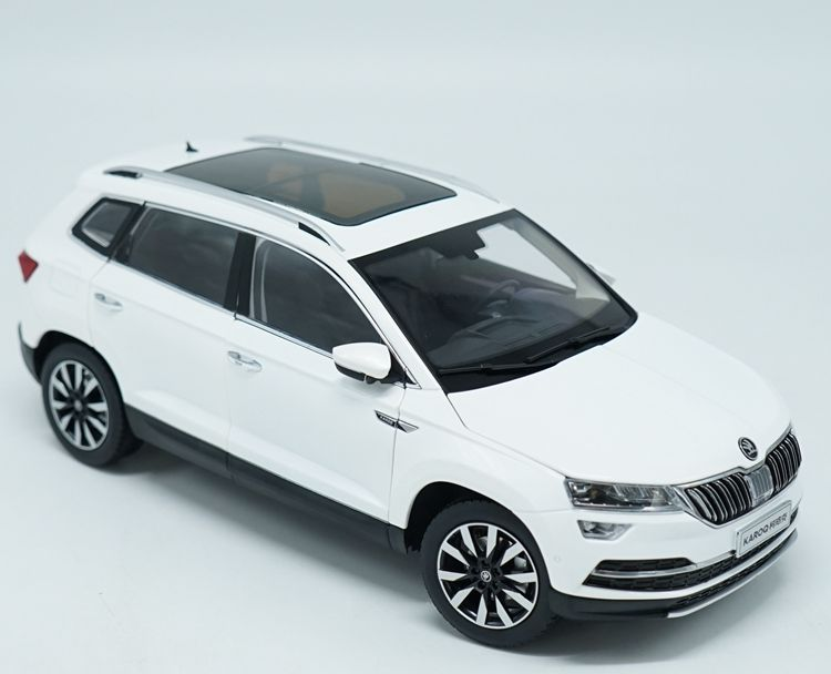 1:18 Diecast Model for Skoda KAROQ Sportline 2018 White SUV Alloy Toy Car Miniature Collection (Alloy Toy Car, Diecast Scale Model Car, Collectible Model Car, Miniature Collection Die-cast Toy Vehicles Gifts)