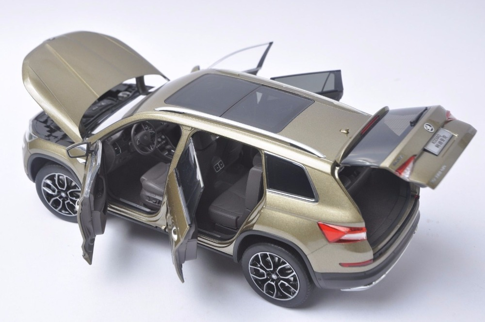 1:18 Diecast Model for Skoda Kodiaq 2016 Gold SUV Alloy Toy Car Miniature Collection Gifts (Alloy Toy Car, Diecast Scale Model Car, Collectible Model Car, Miniature Collection Die-cast Toy Vehicles Gifts)