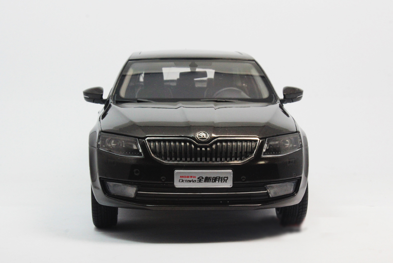 1:18 Diecast Model for Skoda Octavia 2014 Brown Liftback Alloy Toy Car Miniature Collection Gifts (Alloy Toy Car, Diecast Scale Model Car, Collectible Model Car, Miniature Collection Die-cast Toy Vehicles Gifts)