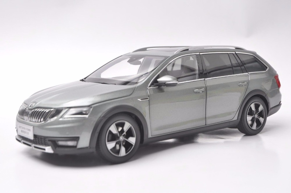 1:18 Diecast Model for Skoda Octavia Combi 2017 Green Alloy Toy Car Miniature Collection Gifts (Alloy Toy Car, Diecast Scale Model Car, Collectible Model Car, Miniature Collection Die-cast Toy Vehicles Gifts)