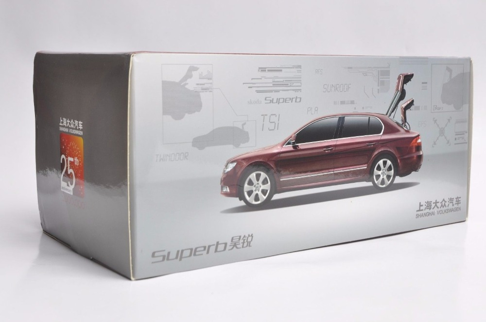 1:18 Diecast Model for Skoda Superb 2012 Grey Liftback 25th Anniversary Limited Edition Alloy Toy Car Miniature Collection (Alloy Toy Car, Diecast Scale Model Car, Collectible Model Car, Miniature Collection Die-cast Toy Vehicles Gifts)