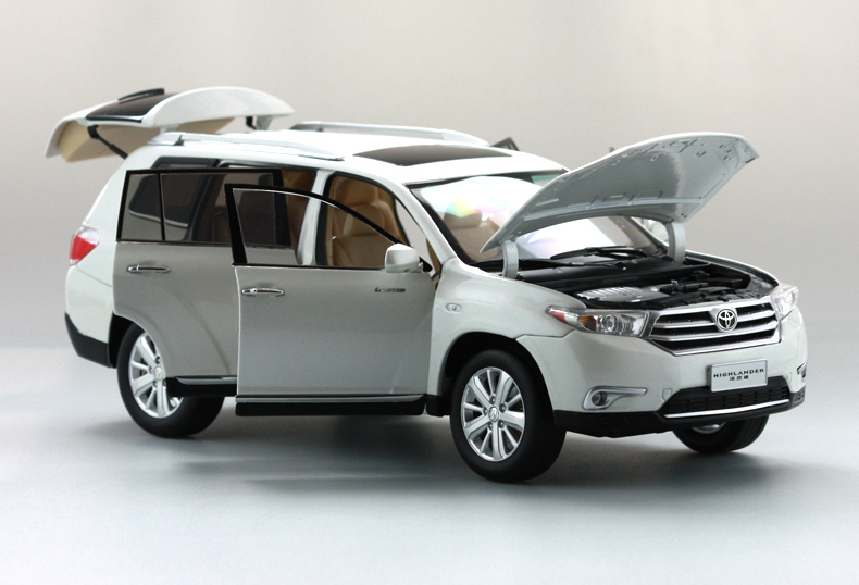 1:18 Diecast Model for Toyota Highlander 2012 White SUV Rare Alloy Toy Car Miniature Collection Gift (Alloy Toy Car, Diecast Scale Model Car, Collectible Model Car, Miniature Collection Die-cast Toy Vehicles Gifts)