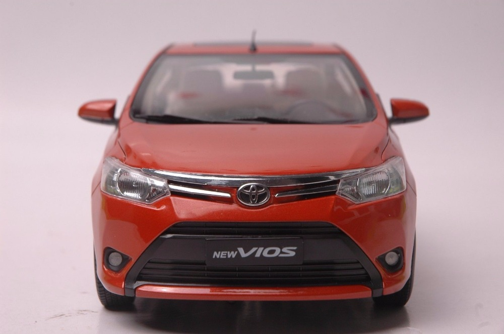 1:18 Diecast Model for Toyota Vios 2013 Red Alloy Toy Car Miniature Collection Gift (Alloy Toy Car, Diecast Scale Model Car, Collectible Model Car, Miniature Collection Die-cast Toy Vehicles Gifts)