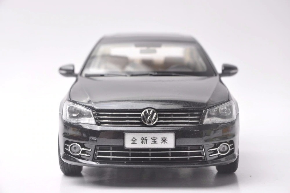 1:18 Diecast Model for Volkswagen VW New Bora 2013 Black Alloy Toy Car Miniature Collection Gifts Jetta US (Alloy Toy Car, Diecast Scale Model Car, Collectible Model Car, Miniature Collection Die-cast Toy Vehicles Gifts)