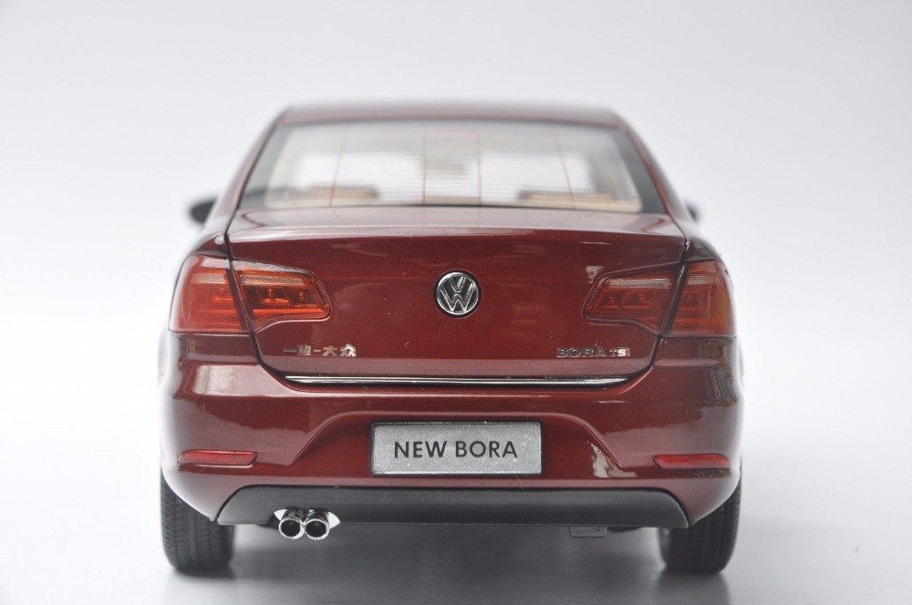 1:18 Diecast Model for Volkswagen VW New Bora 2013 Red Alloy Toy Car Miniature Collection Gifts Jetta US (Alloy Toy Car, Diecast Scale Model Car, Collectible Model Car, Miniature Collection Die-cast Toy Vehicles Gifts)