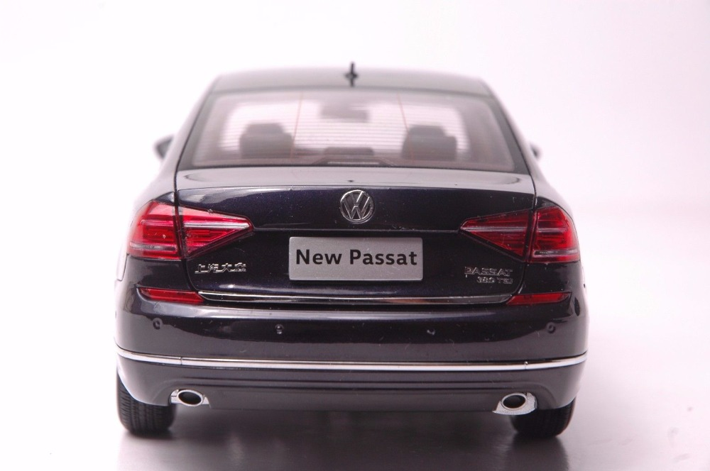 1:18 Diecast Model for Volkswagen VW Passat 2016 Dark Purple Alloy Toy Car Miniature Collection Gifts (Alloy Toy Car, Diecast Scale Model Car, Collectible Model Car, Miniature Collection Die-cast Toy Vehicles Gifts)