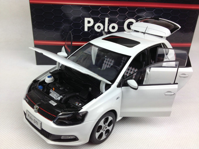 1:18 Diecast Model for Volkswagen VW Polo GTI 2012 White Hatchback Alloy Toy Car Miniature Collection Gifts (Alloy Toy Car, Diecast Scale Model Car, Collectible Model Car, Miniature Collection Die-cast Toy Vehicles Gifts)