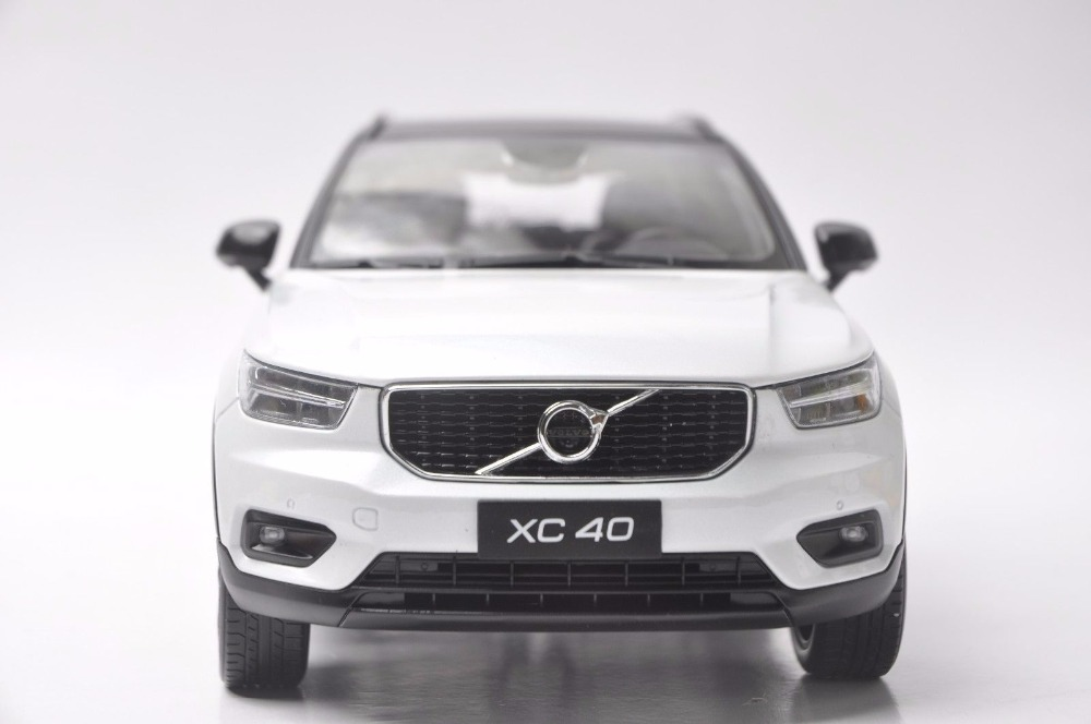 1:18 Diecast Model for Volvo XC40 2018 White SUV Alloy Toy Car Miniature Collection Gifts XC 40 (Alloy Toy Car, Diecast Scale Model Car, Collectible Model Car, Miniature Collection Die-cast Toy Vehicles Gifts)