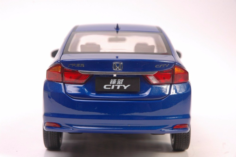 1:18 Diecast Model for Honda City 2015 Blue Alloy Toy Car Miniature Collection Gifts Jazz Fit (Alloy Toy Car, Diecast Scale Model Car, Collectible Model Car, Miniature Collection Die-cast Toy Vehicles Gifts)