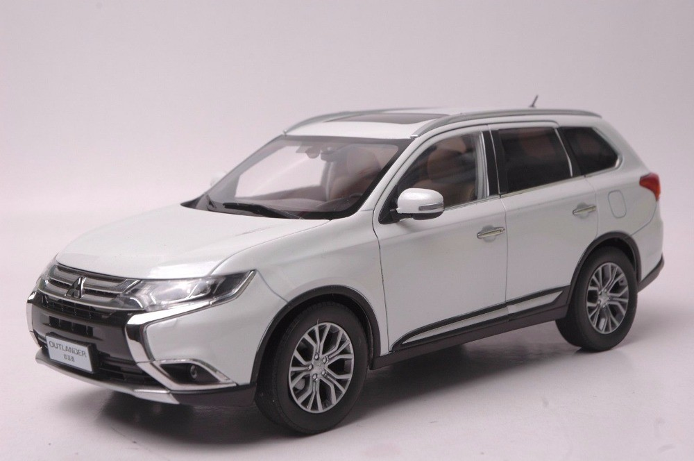 1:18 Diecast Model for Mitsubishi Outlander 2017 White SUV Alloy Toy Car Miniature Collection (Alloy Toy Car, Diecast Scale Model Car, Collectible Model Car, Miniature Collection Die-cast Toy Vehicles Gifts)