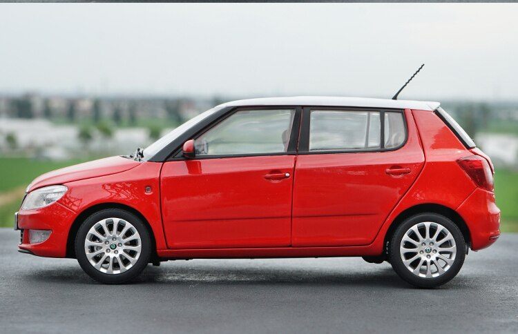 1:18 Diecast Model for Skoda Fabia 2012 Red SUV Alloy Toy Car Miniature Collection Gifts