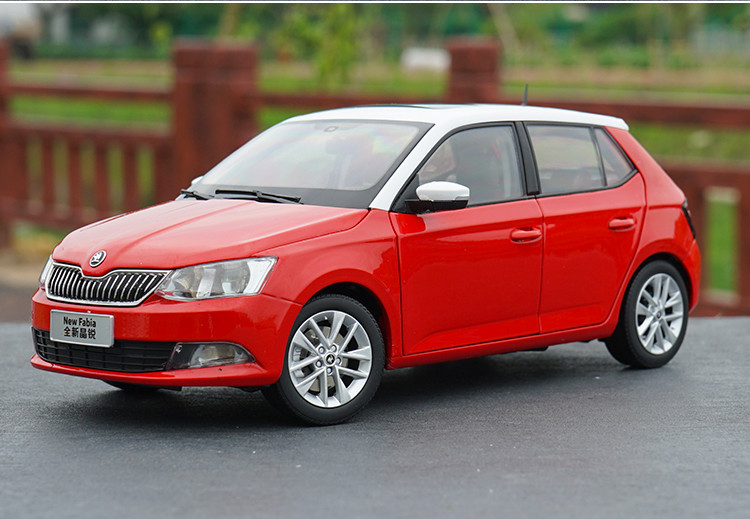 1:18 Diecast Model for Skoda Fabia 2015 Red SUV Alloy Toy Car Miniature Collection Gifts