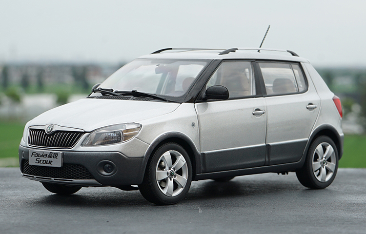 1:18 Diecast Model for Skoda Fabia Scout Gray SUV Alloy Toy Car Miniature Collection Gifts