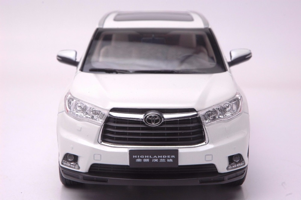 1:18 Diecast Model for Toyota Highlander 2015 White SUV Alloy Toy Car Miniature Collection Gifts (Alloy Toy Car, Diecast Scale Model Car, Collectible Model Car, Miniature Collection Die-cast Toy Vehicles Gifts)