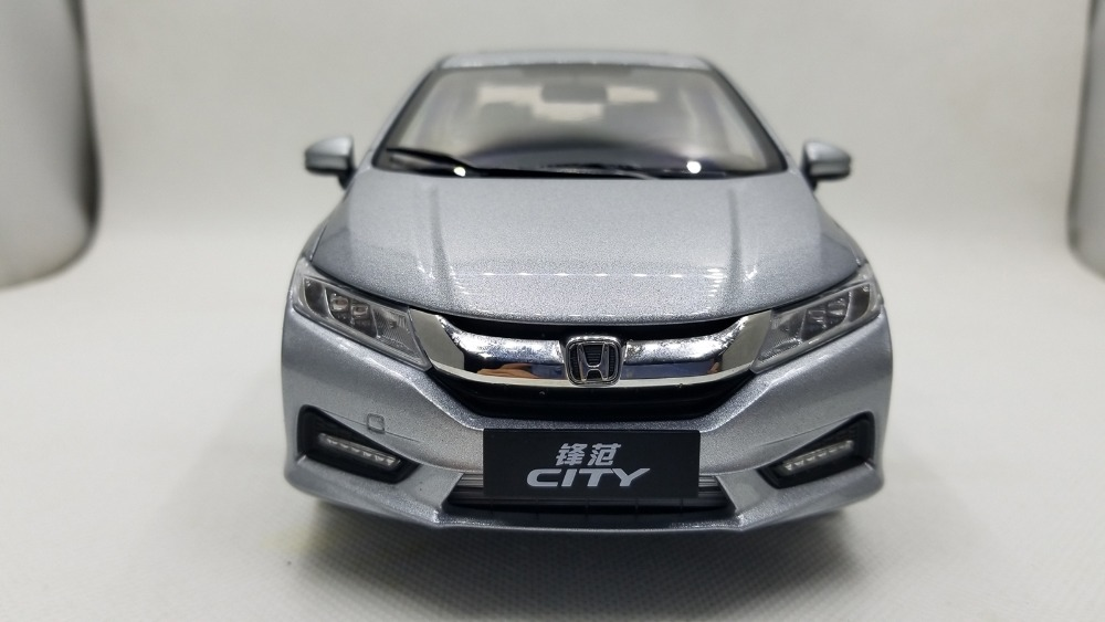 1/18 Honda City Jazz Fit 2018 All New Sedan Toy Car, Diecast Scale Model Car, Collectible Model Car, Miniature Collection Die-cast Toy Vehicles Gifts