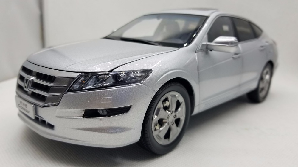 1/18 Honda Crosstour 2011 Accord Silver Sportback Rare Alloy Toy Car, Diecast Scale Model Car, Collectible Model Car, Miniature Collection Die-cast Toy Vehicles Gifts