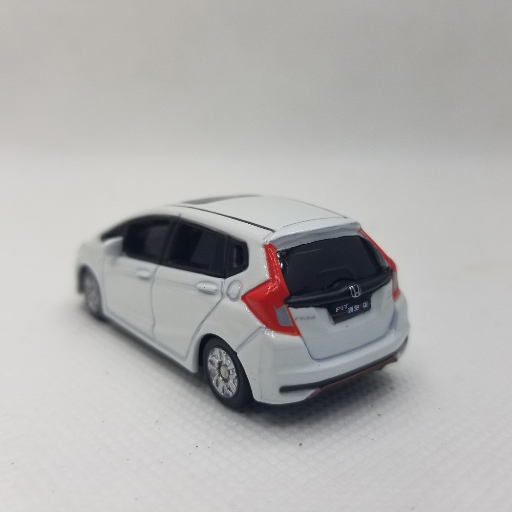 1/64 Honda Fit Sport 2018 White Minicar Jazz Alloy Toy Car, Diecast Scale Model Car, Collectible Model Car, Miniature Collection Die-cast Toy Vehicles Gifts