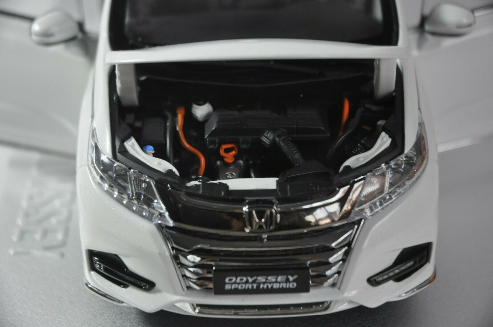 1/18 Honda Odyssey Sport Hybrid 2019 White MPV Alloy Toy Car, Diecast Scale Model Car, Collectible Model Car, Miniature Collection Die-cast Toy Vehicles Gifts