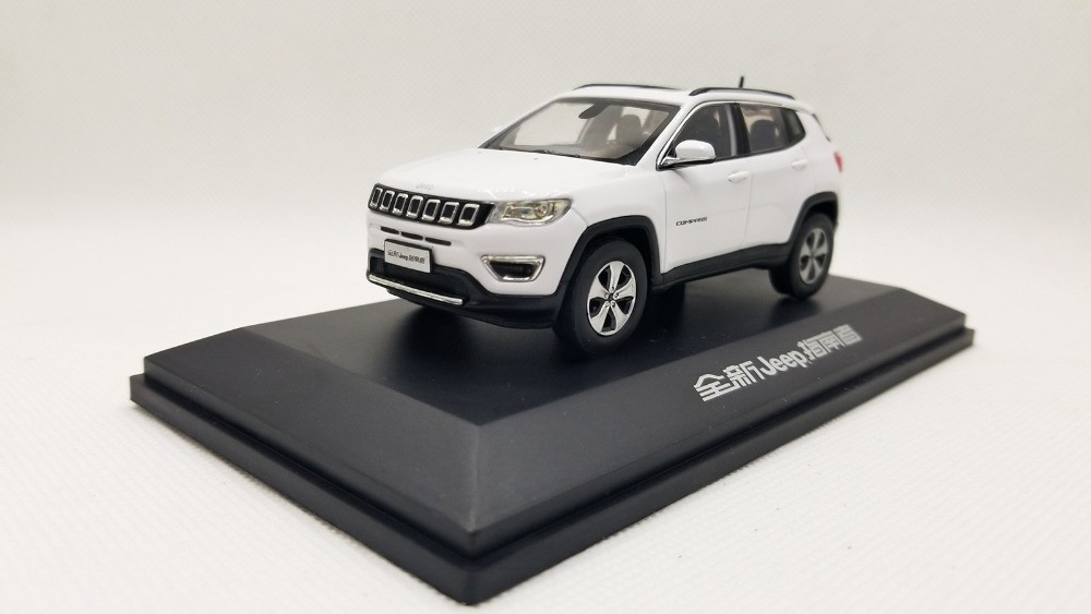 1/43 Jeep Compass 2017 White Alloy Toy Car, Diecast Scale Model Car, Collectible Model Car, Miniature Collection Die-cast Toy Vehicles Gifts