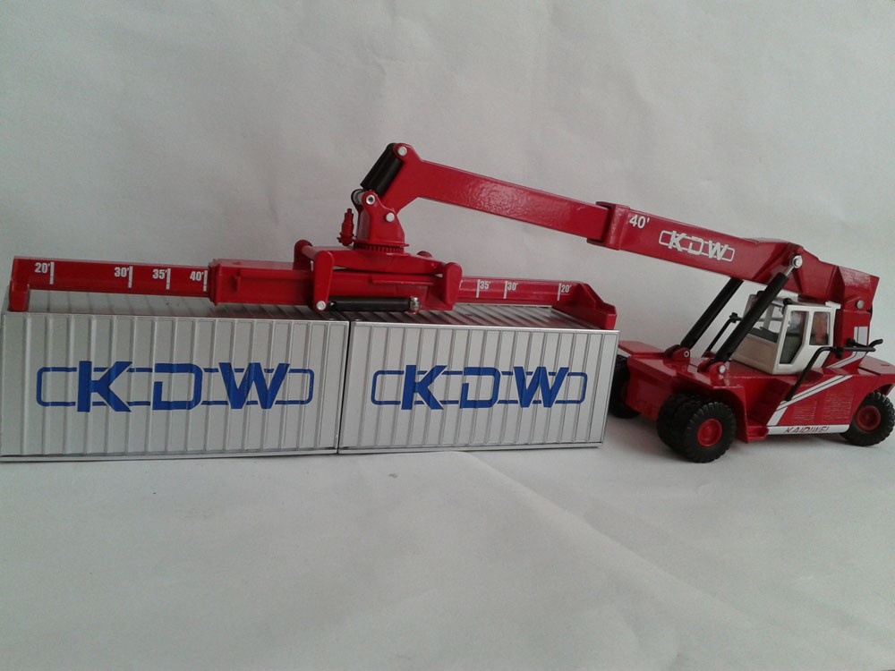 1:50 KAIDIWEI Reach Stacker Toy, (Scale Model Truck, Construction vehicles Scale Model, Alloy Toy Car, Diecast Scale Model Car, Collectible Model Car, Miniature Collection Die cast Toy Vehicles Gifts).