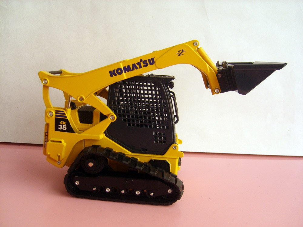 1:25 Komatsu CK35-1 Compact Tracked Loader toy, (Scale Model Truck, Construction vehicles Scale Model, Alloy Toy Car, Diecast Scale Model Car, Collectible Model Car, Miniature Collection Die cast Toy Vehicles Gifts).
