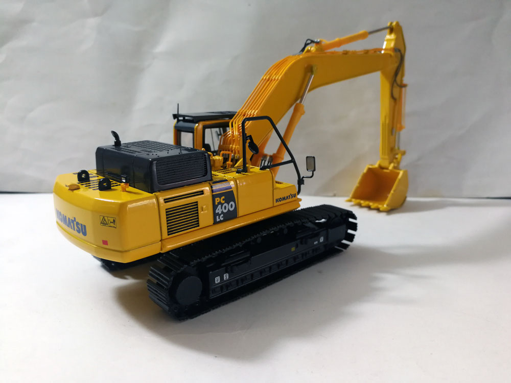 1:50 Komatsu PC400 LC EXCAVATOR toy, (Scale Model Truck, Construction vehicles Scale Model, Alloy Toy Car, Diecast Scale Model Car, Collectible Model Car, Miniature Collection Die cast Toy Vehicles Gifts).