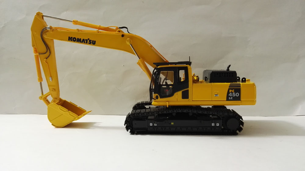 1:50 Komatsu PC450LC-8 Excavator toy, (Scale Model Truck, Construction vehicles Scale Model, Alloy Toy Car, Diecast Scale Model Car, Collectible Model Car, Miniature Collection Die cast Toy Vehicles Gifts).