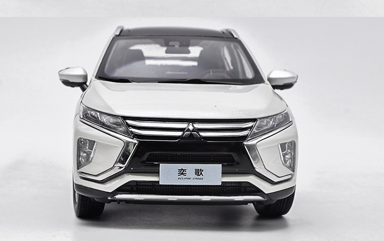 1/18 Mitsubishi ECLIPSE CROSS 2018 White SUV Alloy Toy Car, Diecast Scale Model Car, Collectible Model Car, Miniature Collection Die-cast Toy Vehicles Gifts