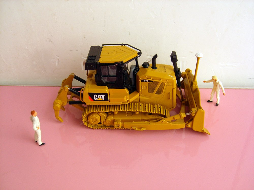 1:50 N-55224 Cat D7E Track-Type Tractor toy, (Scale Model Truck, Construction vehicles Scale Model, Alloy Toy Car, Diecast Scale Model Car, Collectible Model Car, Miniature Collection Die cast Toy Vehicles Gifts).
