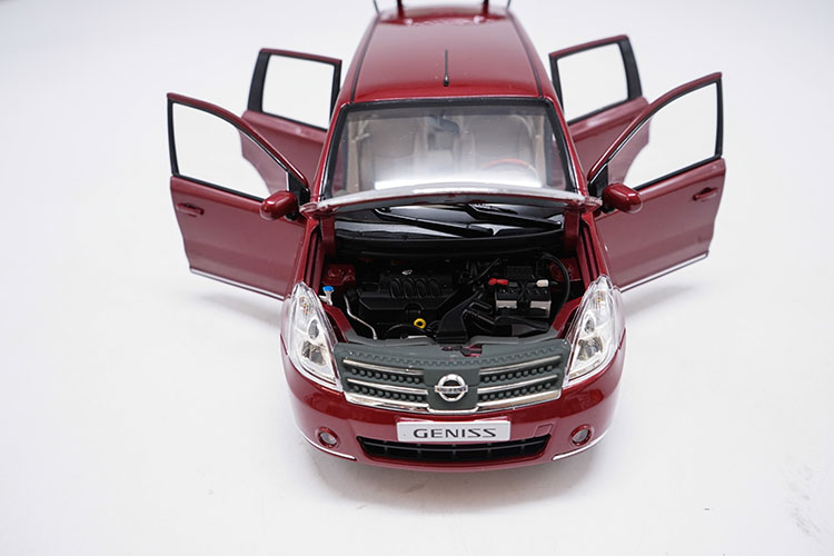 1/18 Nissan GENISS Livina Red MPV Alloy Toy Car, Diecast Scale Model Car, Collectible Model Car, Miniature Collection Die-cast Toy Vehicles Gifts