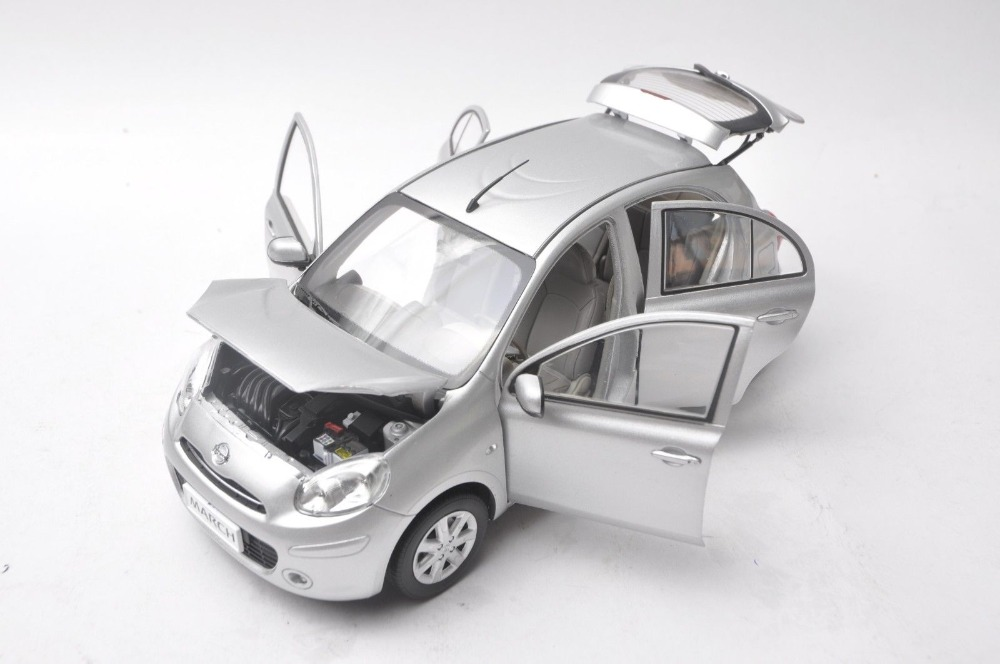 1/18 Nissan March Micra Silver Minicar Alloy Toy Car, Diecast Scale Model Car, Collectible Model Car, Miniature Collection Die-cast Toy Vehicles Gifts