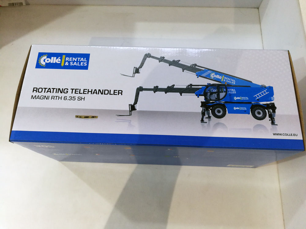 1:32 Ros Magni Blue Rth SH 6.35 Telescopic Lift toy, (Scale Model Truck, Construction vehicles Scale Model, Alloy Toy Car, Diecast Scale Model Car, Collectible Model Car, Miniature Collection Die cast Toy Vehicles Gifts).