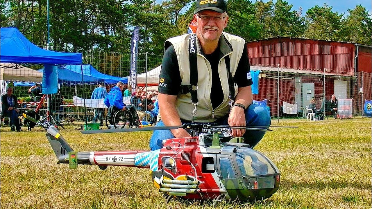 2X BIG RC VARIO CHINOOK CH-47 SCALE MODEL HELICOPTER INDOOR FLIGHT / Modell-Hobby-Spiel Leipzig 2016