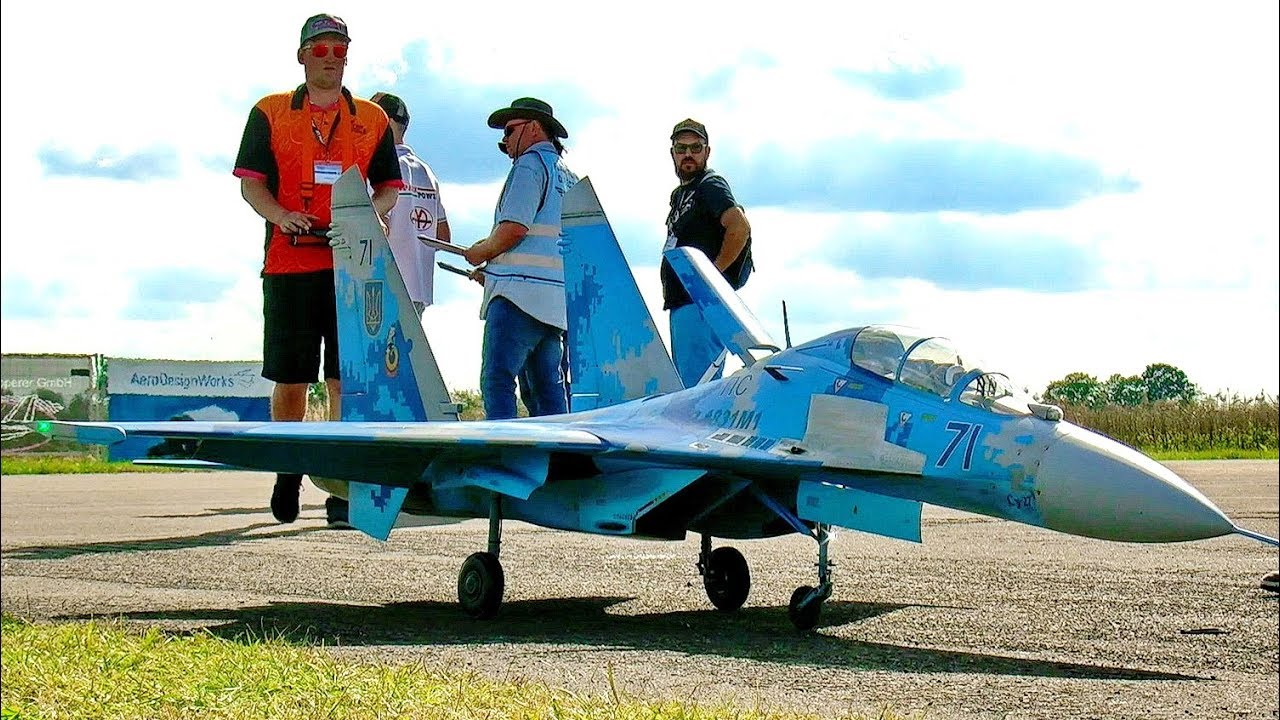 350 KMH 217 MPH WORLDS FASTEST RC PULSO JET PULSE JET FROM ROGER KNOBEL / RC Airshow Hausen 2015