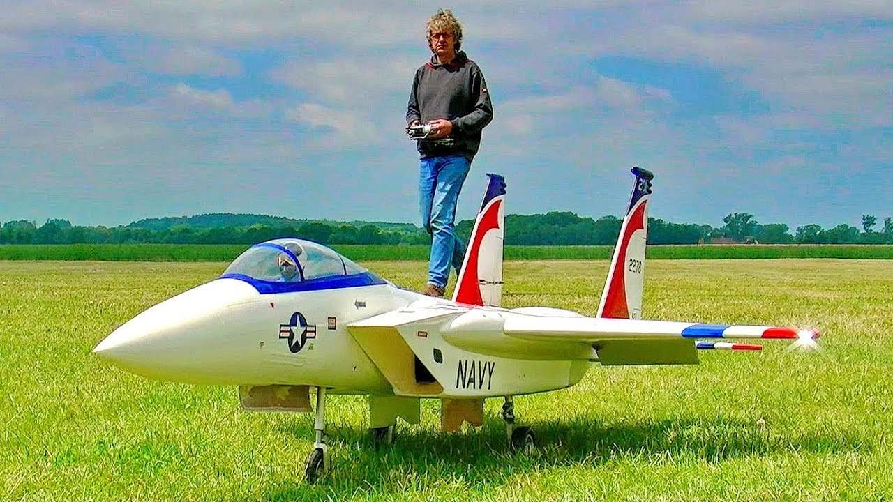 250 MPH GREAT IMPRESSIVE FLIGHT OF THE RC PULSO JET / FLIGHT DEMO AND LOW PASS SEQUENCES