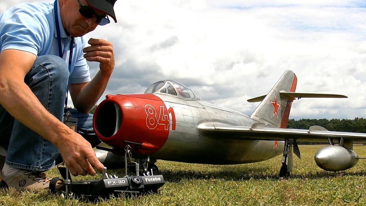 BOEING 707 AUSTRIAN AIRLINES GIANT RC AIRLINER MODEL FLIGHT DEMONSTRATION / RC Airshow Oppingen 2015