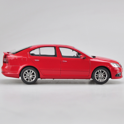 1/18 Skoda Octavia RS 2014 VRS Red Liftback Alloy Toy Car, Diecast Scale Model Car, Collectible Model Car, Miniature Collection Die-cast Toy Vehicles Gifts
