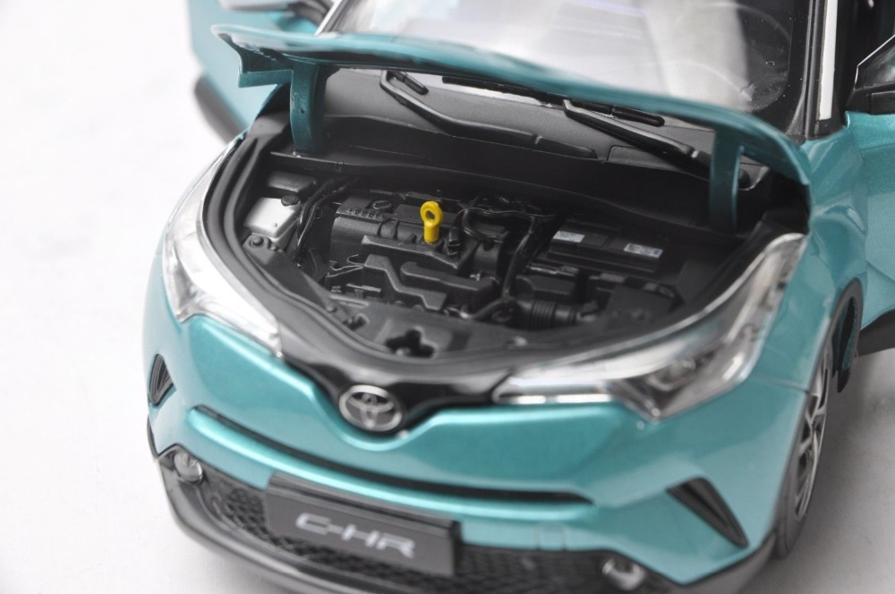 1/18 Toyota C-HR 2017 Green & White Roof CHR C HR Alloy Toy Car, Diecast Scale Model Car, Collectible Model Car, Miniature Collection Die-cast Toy Vehicles Gifts