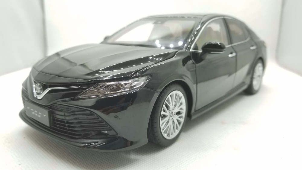 1/18 Toyota Camry 8th Generation XV70 2018 Alloy Toy Car, Diecast Scale Model Car, Collectible Model Car, Miniature Collection Die-cast Toy Vehicles Gifts
