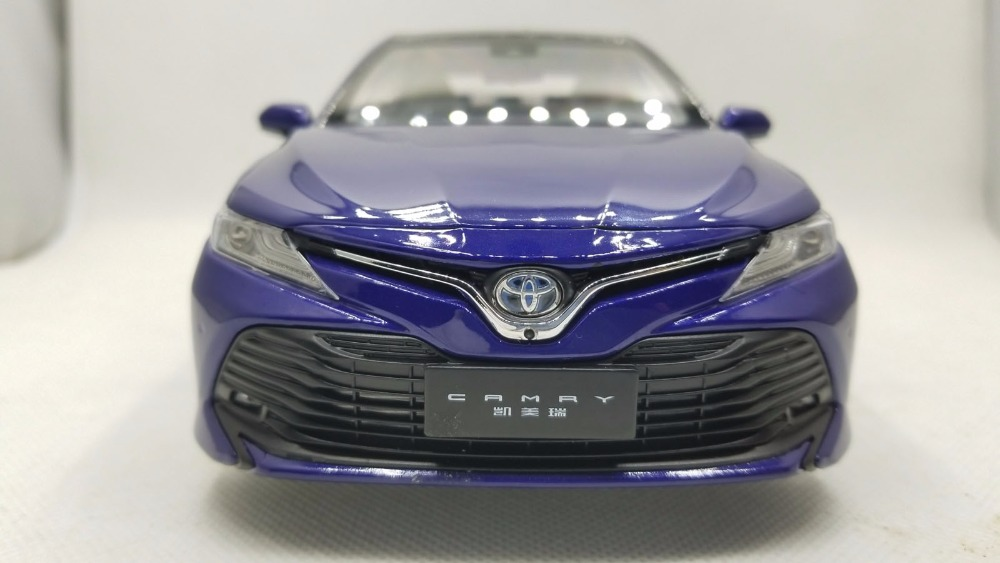 1/18 Toyota Camry Hybrid 2018 8th Generation XV70 Blue Alloy Toy Car, Diecast Scale Model Car, Collectible Model Car, Miniature Collection Die-cast Toy Vehicles Gifts