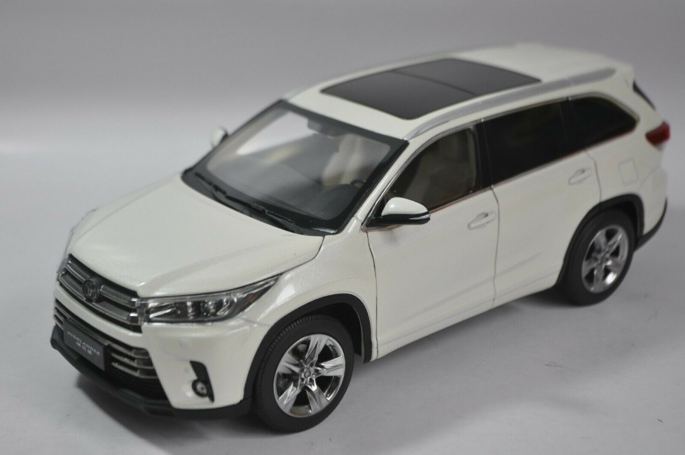 1/18 Toyota Highlander 2018 White SUV Alloy Toy Car, Diecast Scale Model Car, Collectible Model Car, Miniature Collection Die-cast Toy Vehicles Gifts
