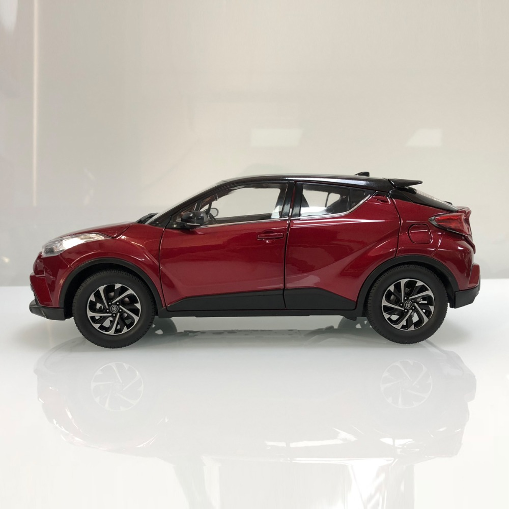 1/18 Toyota IZOA C-HR 2017 CHR C HR Red Alloy Toy Car, Diecast Scale Model Car, Collectible Model Car, Miniature Collection Die-cast Toy Vehicles Gifts