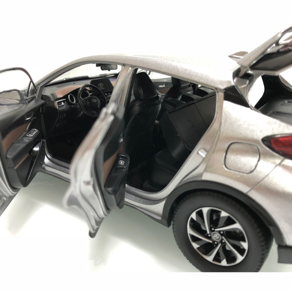 1/18 Toyota IZOA C-HR 2017 CHR C HR Silver Alloy Toy Car, Diecast Scale Model Car, Collectible Model Car, Miniature Collection Die-cast Toy Vehicles Gifts