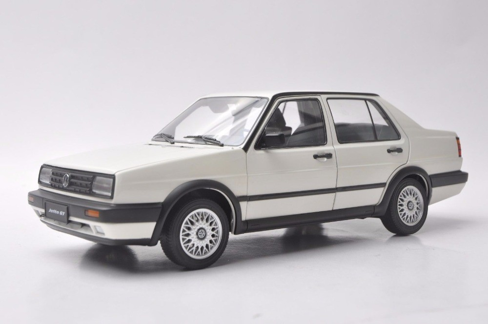 1/18 Volkswagen VW Jetta GT MK2 1984 White Sedan Rare Alloy Toy Car, Diecast Scale Model Car, Collectible Model Car, Miniature Collection Die-cast Toy Vehicles Gifts
