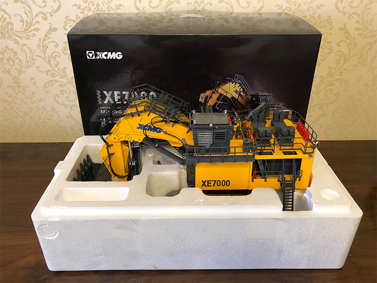 1:50 XCMG XE7000 Mining Excavator toys, (Scale Model Truck, Construction vehicles Scale Model, Alloy Toy Car, Diecast Scale Model Car, Collectible Model Car, Miniature Collection Die cast Toy Vehicles Gifts).