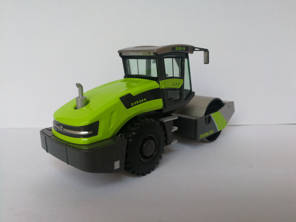 1:50 Zoomlion ZRS326 Hydraulic Single Drum Vibratory Road Roller 1:50 Scale Die-Cast toys, (Scale Model Truck, Construction vehicles Scale Model, Alloy Toy Car, Diecast Scale Model Car, Collectible Model Car, Miniature Collection Die cast Toy Vehicles Gifts).