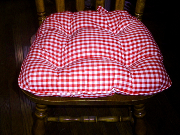 Product Description Solid Gingham Or Camoflage Colored Chair Pads