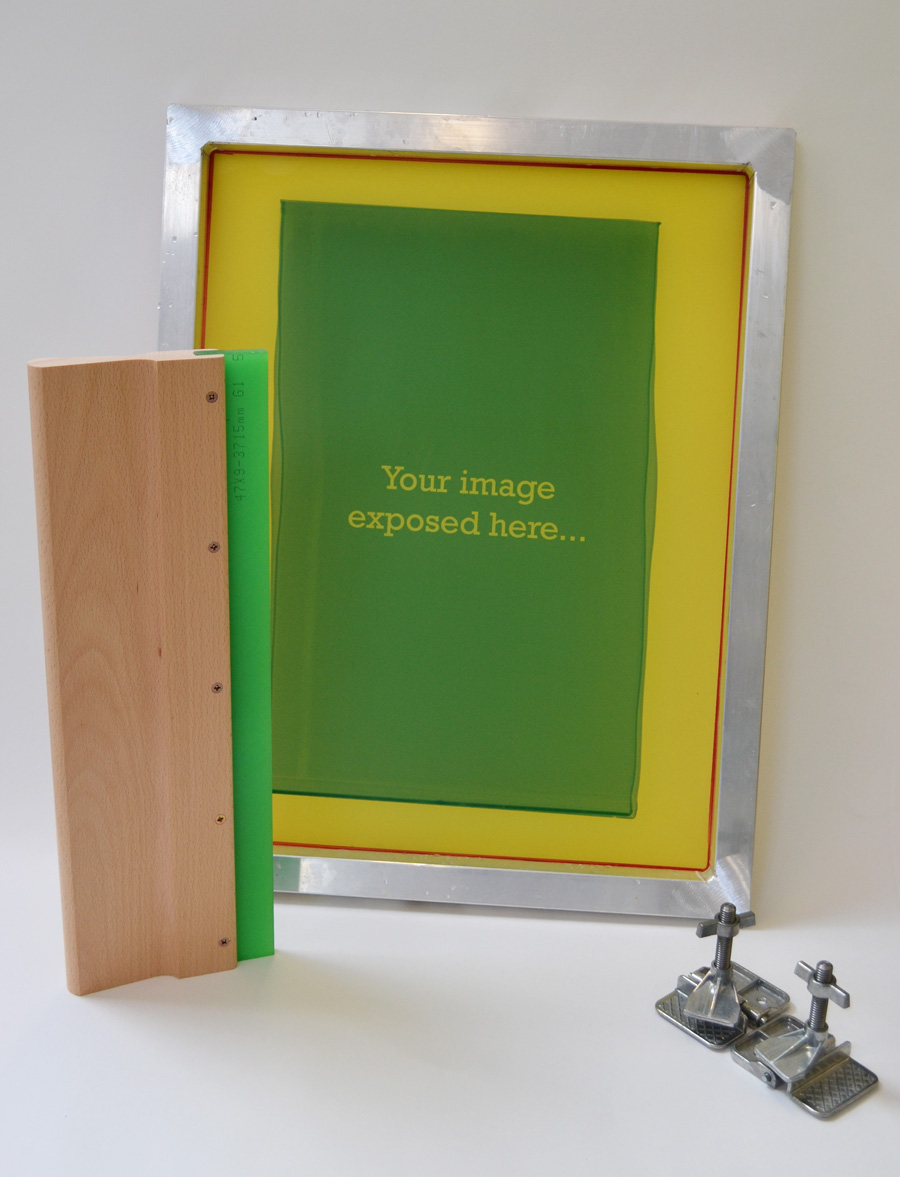 Screen printing screen with squeegee