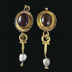Ancient Roman Garnet & Gold Earrings